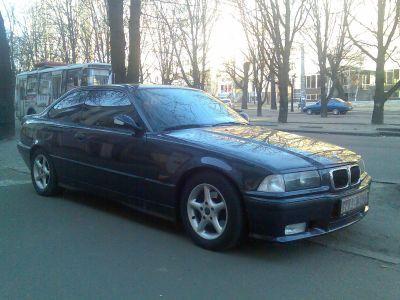 BMW 320i 2 loaded_209.jpg - 1600x1200