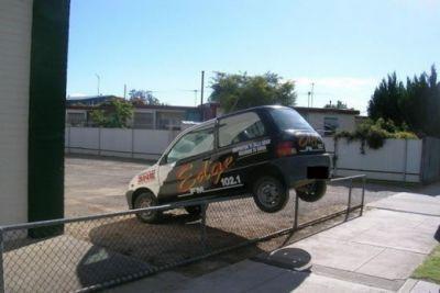 cars_113316_parking.jpg - 520x348
