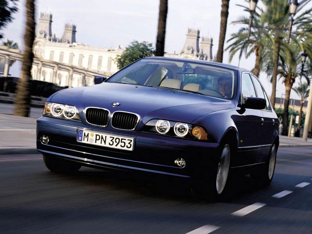 Обои для рабочего стола с BMW - БМВ bmw_5series_016.jpg