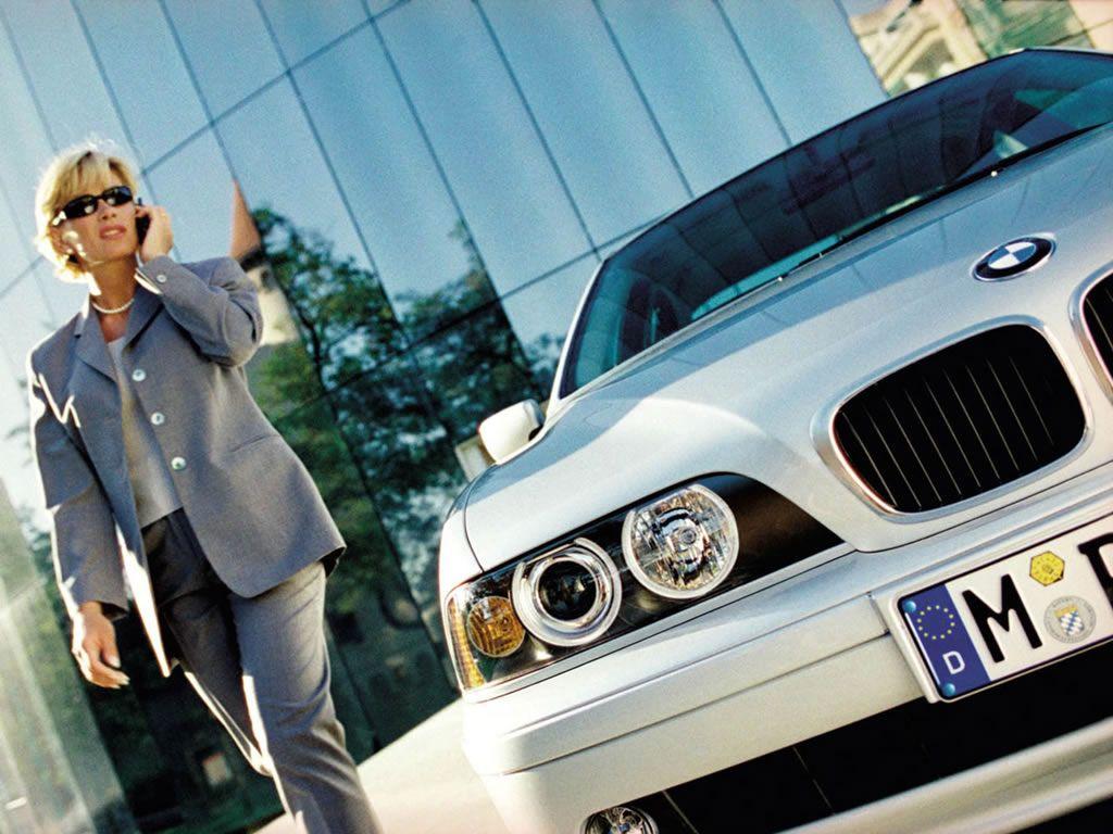 Обои для рабочего стола с BMW - БМВ bmw_5series_018.jpg