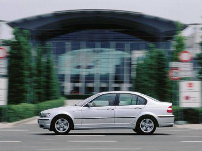 Обои для рабочего стола с BMW - БМВ bmw_3series_068.jpg - 1024x768