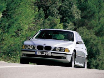 Обои для рабочего стола с BMW - БМВ bmw_5series_001.jpg - 1024x768