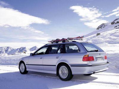Обои для рабочего стола с BMW - БМВ bmw_5series_004.jpg - 1024x768