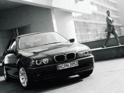 Обои для рабочего стола с BMW - БМВ bmw_5series_020.jpg - 1024x768