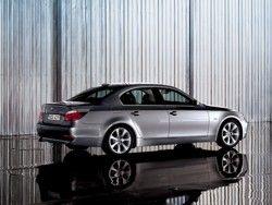 BMW 520i (E60) фото