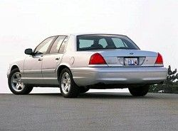 Crown Victoria 4.6 (223hp)(P7) Ford фото