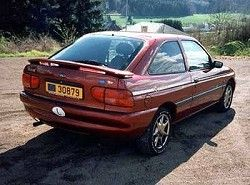 Ford Escort Hatchback 1.6 (3dr)  (ABL)  фото