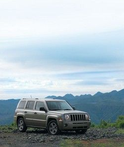 Jeep Patrion 2.4 фото