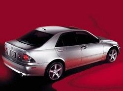 Lexus IS 300  GXE10 фото