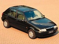 Mazda 121 1.8 D 5dr фото