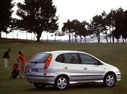 Nissan Almera Tino 1.8(V10) фото