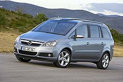 Opel Zafira II 1.6i 16v фото