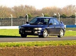 Subaru Impreza 1.8i 4WD Sedan(GC) фото