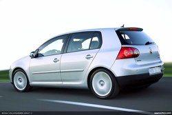 Volkswagen Golf V 1.6 фото