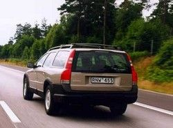 Volvo V70 XC Cross Country фото